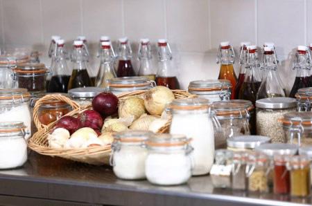 La cuisine à l'honneur à la place de 100% mag : Objectif Top Chef / Crédit : Aurelien FAIDY/M6