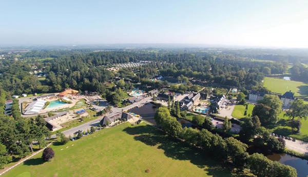 Vue aérienne du camping de Sonia et Arnaud de Bienvenue au camping