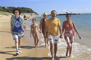 A quand la diffusion de l'hôtel de la plage saison 2?  / Photo : Gilles Scarella / FTV