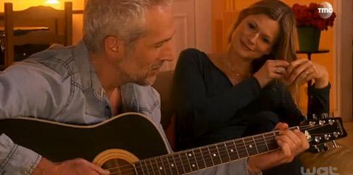 Laly et John amoureux dans les mystères de l'amour saison 8