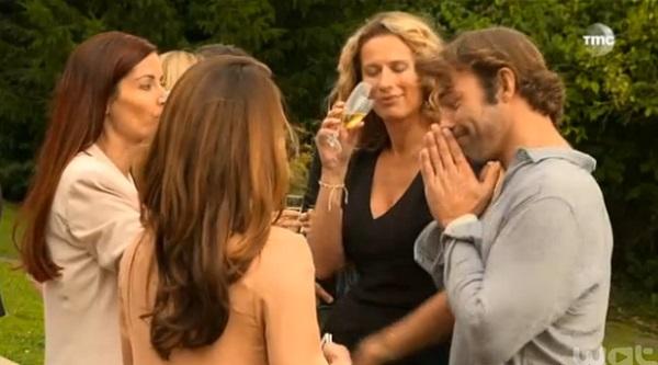 Nicolas entouré de ses 3 femmes : Ingrid, Audrey et Marie