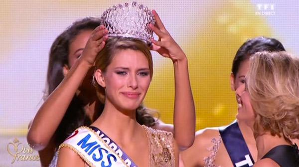 La gagnante Camille Cerf Miss France 2015 succède à Flora Coquerel / Capture écran