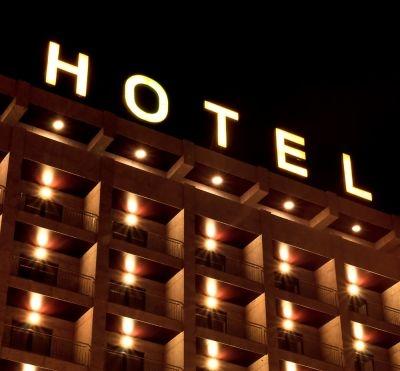 Comment sont notés les hôtels et propriétaires de Bienvenue à l'hôtel de TF1?  ©Joao Seabra/shutterstock.com