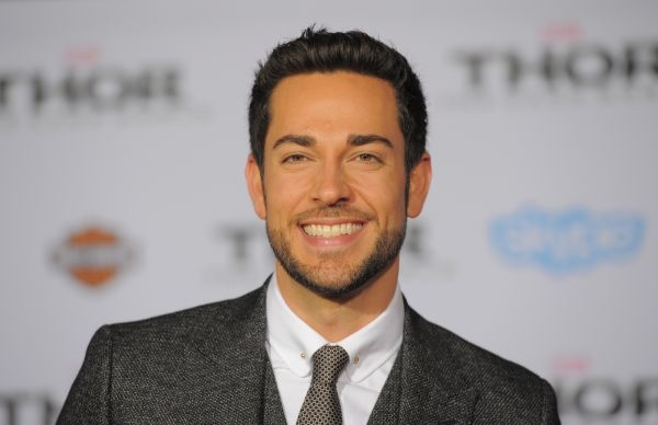 Casting Heroes Reborn la série NBC en 2015 : Zachary Levi /  ©AFP PHOTO/JOE KLAMAR / Article avec AFP Relaxnews