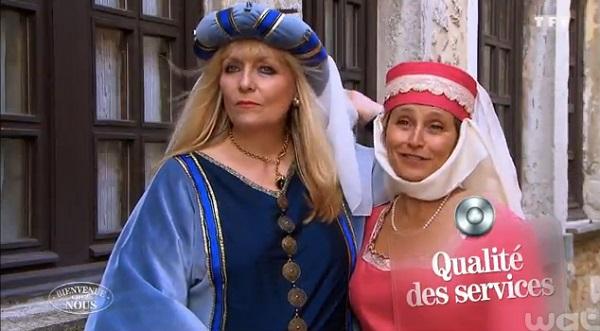 Armelle et Hélène de Bienvenue chez nous déguisées