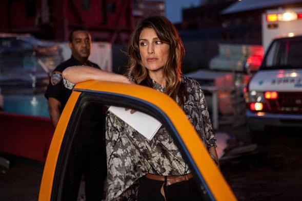 Jennifer Esposito arrive au casting / distribution de Mistresses saison 3 / © EUROPACORP TELEVISION / TF1