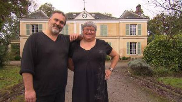 Avis et commentaire sur la maison d'hôtes d'Anne et Philippe : leur château en Normandie avec leur adresse / Photo TF1