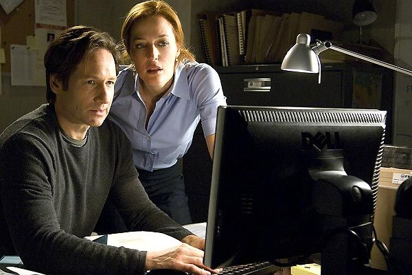 Mulder et Scully de retour en 2015 : la saison 10 X-Files arrive / Article avec AFP relaxnews/ ©20th Century Fox Television