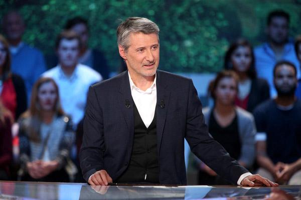 Animateur le Grand journal de la rentrée 2015 : De caunes présent ? / Maxime Bruno - Canal +