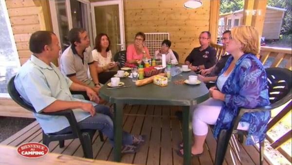 Qui mérite la victoire de 3000 euros dans Bienvenue au camping le 08/05/2015 ?