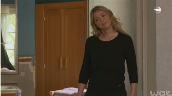 Hélène va-t-elle découvrir la vidéo de Peter avec Etienne?