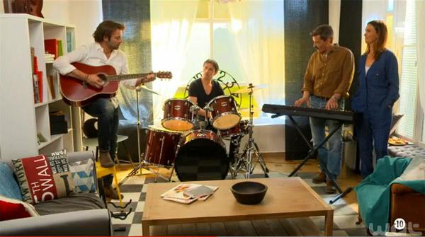 Le groupe des garçons reforment leur trio chez José : Les mystères de l'amour en musique !