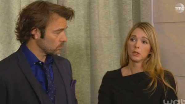 Nicolas accompagne Helene chez le notaire tandis qu'Eve est accompagnée d'Audrey