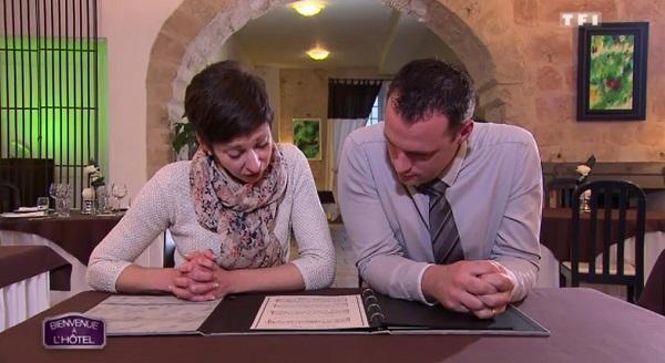 Les notes de Lucie et Julien vont-ils leur permettre de gagner bienvenue à l'hôtel ?