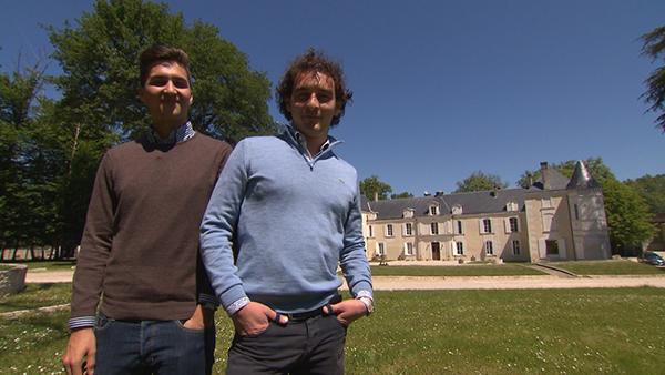 Commentaires et avis sur Hakob et Baptiste de Bienvenue chez nous / Crédit photo TF1