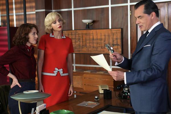 Le commissaire Laurence dans Petits meurtres d'Agatha Christie saison 2