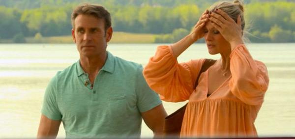 Laly a une vision, accompagnée de Jimmy dans les mystères de l'amour 10x03