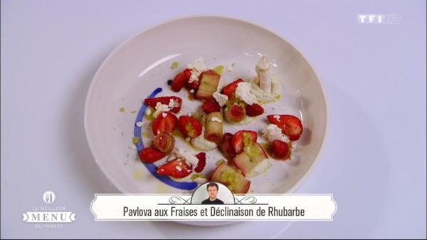 Recette dessert de Maxime Schelstraete : Pavlova aux fraises  et déclinaison de rhubarbe