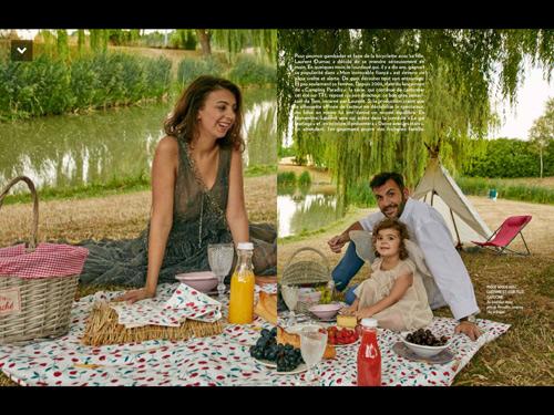 Laurent Ournac at sa petite famille dans Paris Match avec Ludivine et Capucine / Capture écran Paris Match / Crédit photo François Darmigny page 78-79