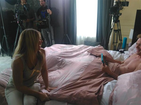 Peter vivant, se repose dans les mystères de l'amour saison 10 et parle avec Hélène / Photo twitter TMC