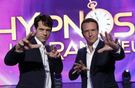 Cyrille Arnaud l'hypnotiseur W9 avec Stéphane Rotenberg / Crédit : Antoine GYORI/M6