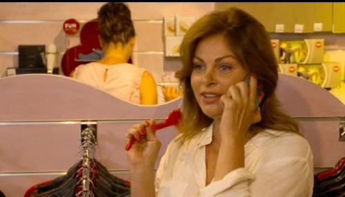 Olga au téléphone avec Béné avant l'enlèvement