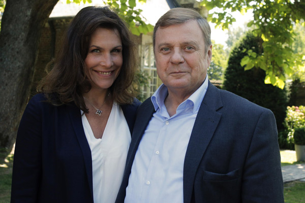Avis et commentaires sur Astrid Veillon dans Commissaire Magellan / Photo Bernard fau - JLA Prod