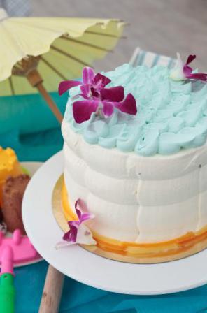 Le gâteau surprise de Carl dans le meilleur pâtissier M6 / Photo Lou Breton-M6