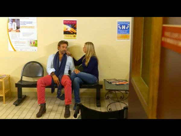 Hélène vient réconforter Nicolas dans #LMDLA s10e15