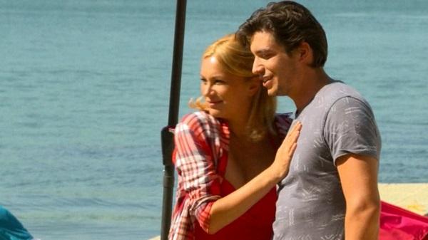 Tom et Gabriella au watersport dans les mystères de l'amour 10x18