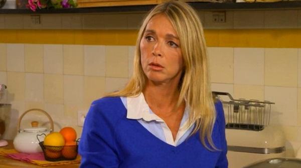 Hélène a peur de ne pas pouvoir adopter Gwen et Erwan à cause de Peter