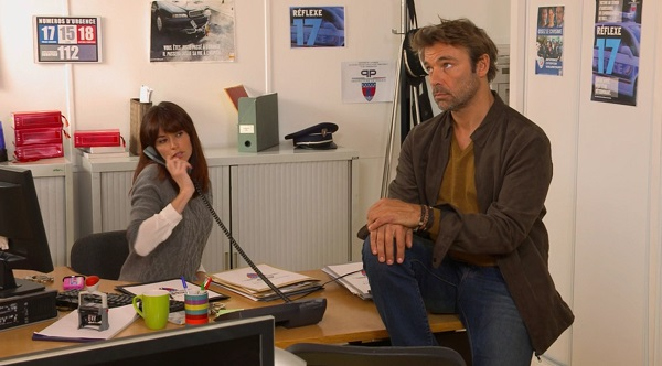 Nicolas et Marie au commissariat dans les mystères de l'amour 10x20