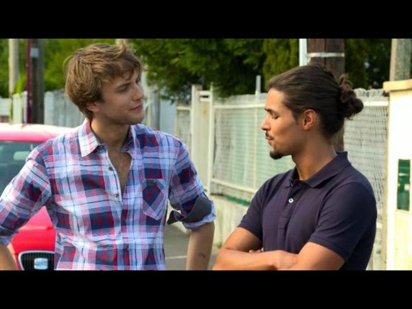 Sylvain aide une nouvelle fois Christian, Audrey et Sam (qu'il aime bien, on dirait!)