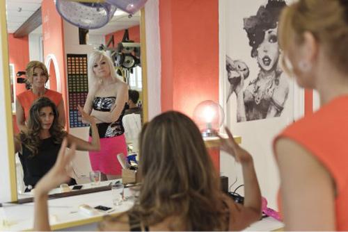 Le cauchemar chez le coiffeur avec Nadine sur M6 / Crédit : Jean Philippe ROBIN / M6