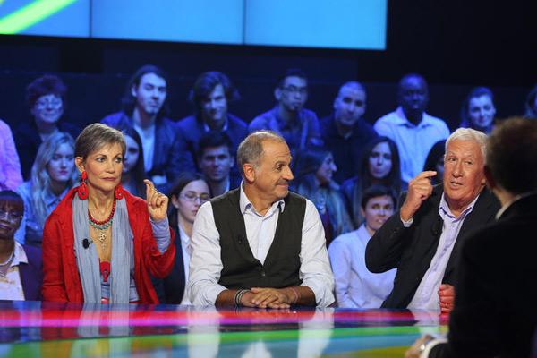 Avis et commentaire sur Derrière le poste D8 du 26/11/2015 avec Collaro, Toesca, Cabrol ou encore Bataille et Fontaine