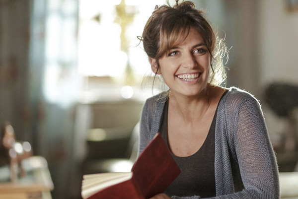 Laetitia Milot est Olivia dans La vengeance aux yeux clairs sur TF1