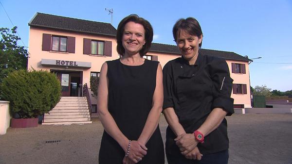 Avis et commentaires sur l'hôtel de Valérie et Sylvie de Bienvenue à l'hôtel / Photo TF1