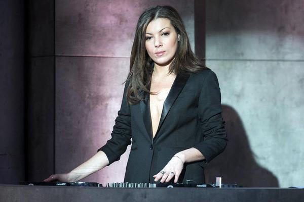 Vos avis et commentaires sur la DJette Anja Sugar de Ce soir show