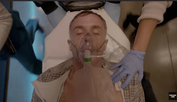 Hermann entre la vie et la mort dans Chicago Fire saison 4 épisode 10 en janvier 2016 ?