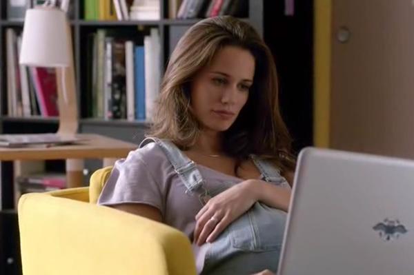 Clem enceinte d'Emma