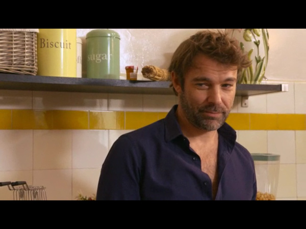 Nicolas conseille Nicky sur ses amours dans LMDLA