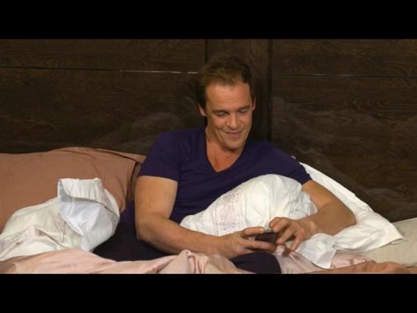 Peter fou amoureux de Stéphanie : est-il en train de retomber malade ?