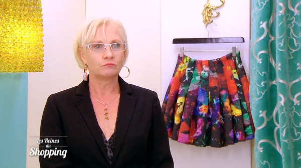 Véronique dans les reines du shopping spécial collant résille