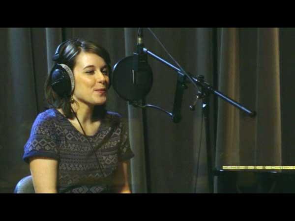 Angèle chante son slam devant Christian pour sa maladie