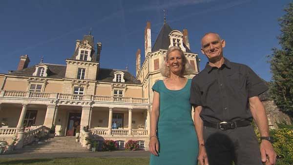 Avis sur le château d'Annick et Bruno dans Bienvenue chez nous
