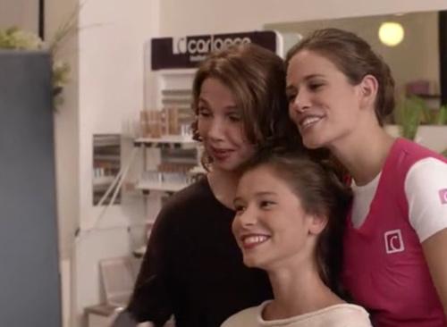 Clem, Caro et Salomé en mode selfie pour Clem saison 6 épisode 2