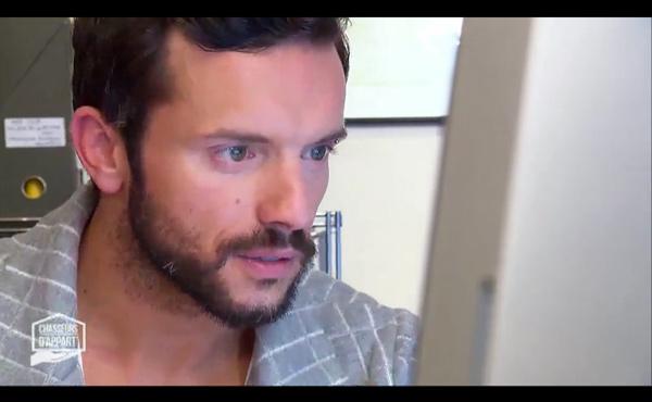 Ermanno de Chasseurs d'appart sur M6 : un accent craquant !