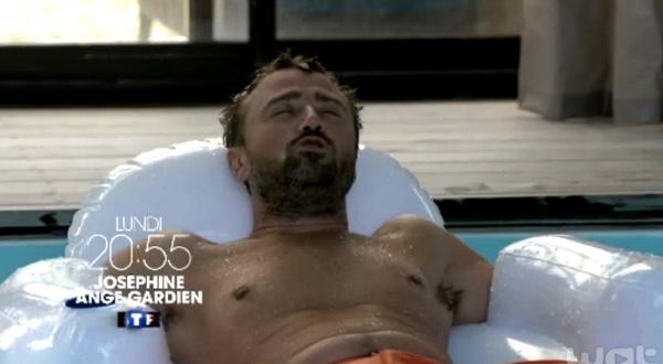 Après Camping Paradis, Alexandre Brasseur joue dans Joséphine ange gardien
