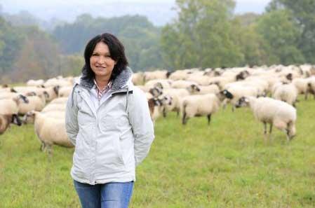 Vos avis sur Julie dans l'amour est dans le pré sur M6   / Photo Aurélien Faidy-M6