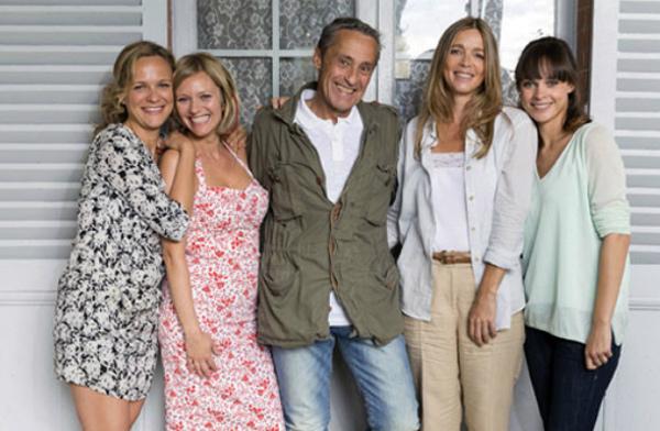 La famille Girard réunie dans les mystères de l'amour pour le mariage ! / Photo TMC